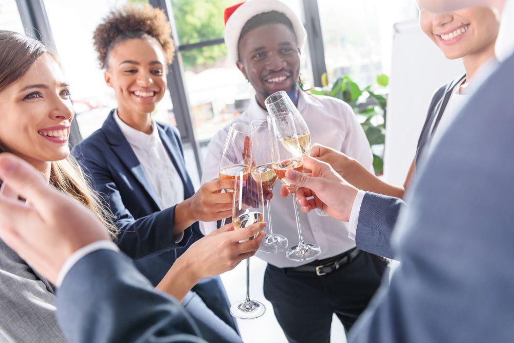 Quer Organizar Uma Festa De Fim De Ano Na Empresa? Veja Algumas Dicas!